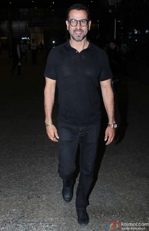 Ronit Roy spotted at Airport