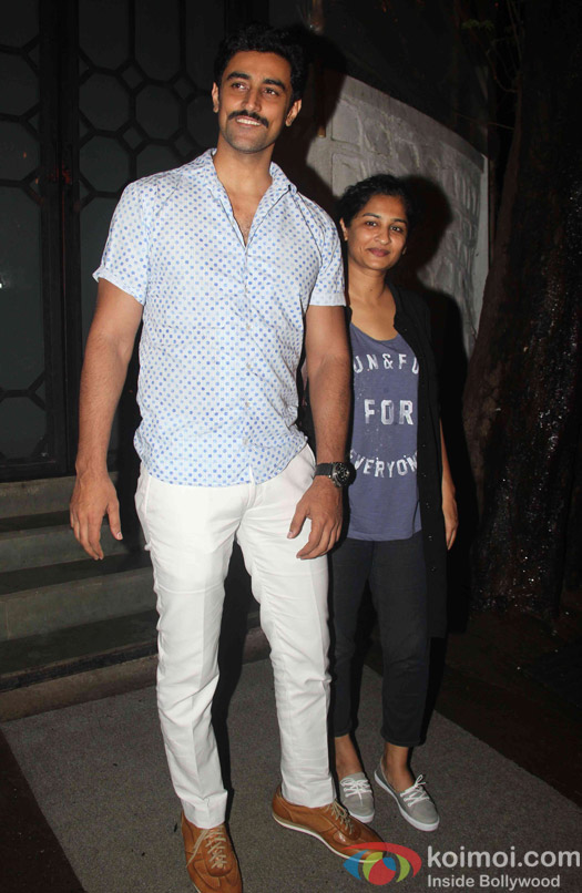 Kunal kapoor and Gauri Shinde spotted at korner house