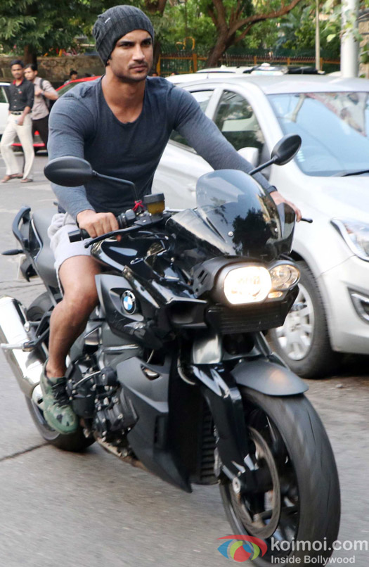 Sushant Singh Rajput spotted in bandra