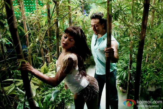 Jacqueline Fernandez and Tiger Shroff in a Beat Pe Booty still from A Flying Jatt