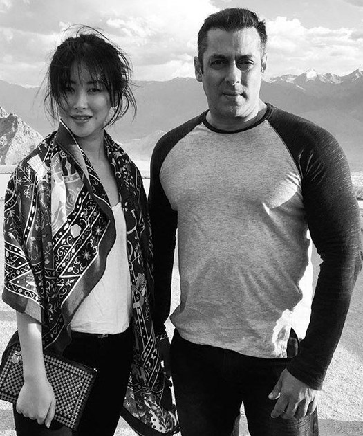 http://static.koimoi.com/wp-content/new-galleries/2016/08/first-look-here-is-salman-khans-tubelight-co-star-chinese-actress-zhu-zhu-1.jpg