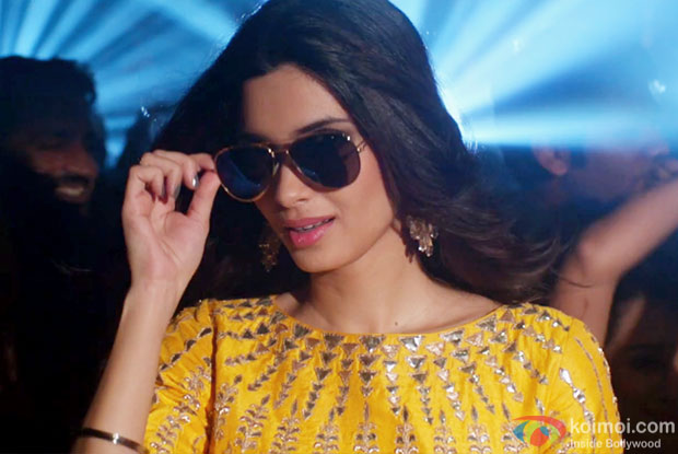 http://static.koimoi.com/wp-content/new-galleries/2016/08/gabru-ready-to-mingle-hai-song-teaser-happy-bhag-jayegi-diana-penty-1.jpg