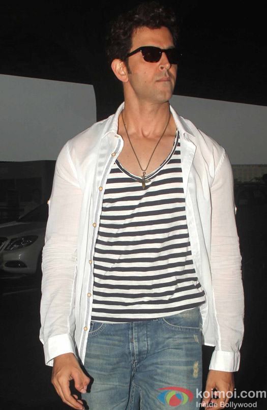 Hrithik Roshan spotted at mumbai airport