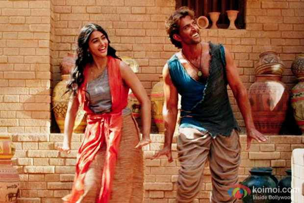 Pooja Hegde and Hrithik Roshan in a still from Mohenjo Daro