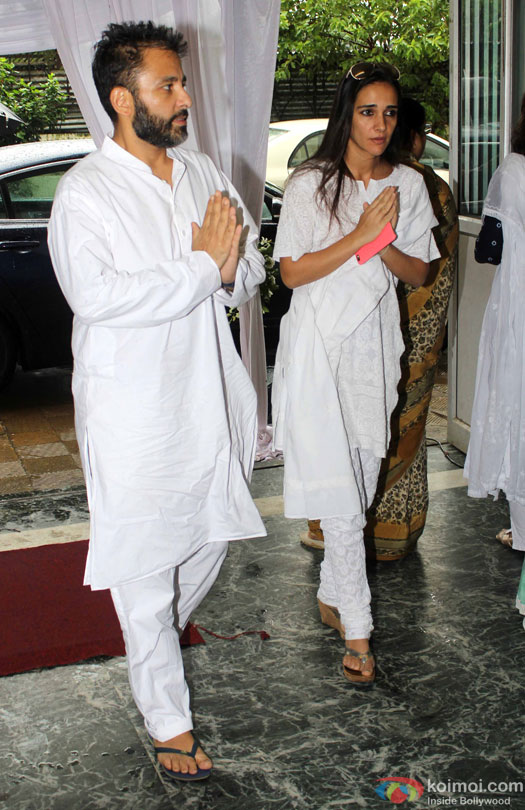 Tara Sharma at Prayer Meet for filmmaker Rajjat Barjatya