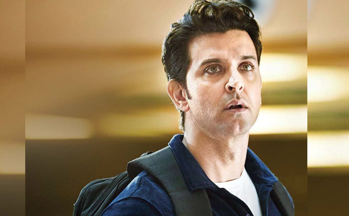 http://static.koimoi.com/wp-content/new-galleries/2016/10/hrithik-as-rohan-bhatnager-in-kaabil.jpg