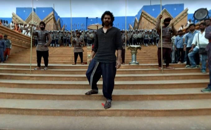 On The Sets of Baahubali - A VR Experience