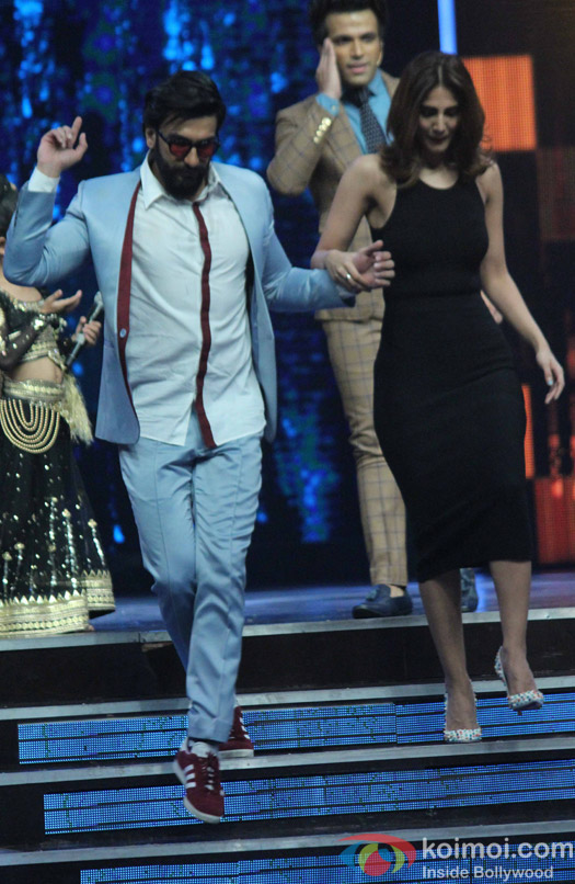 Ranveer Singh and Vaani Kapoor during the Promotion of film Befikre on the sets of Super Dancer