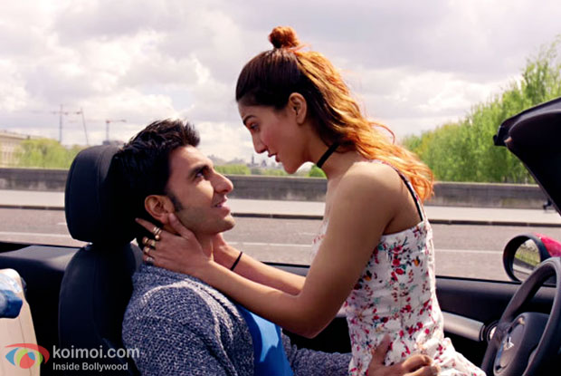Ranveer Singh and Vaani Kapoor in a still from Befikre