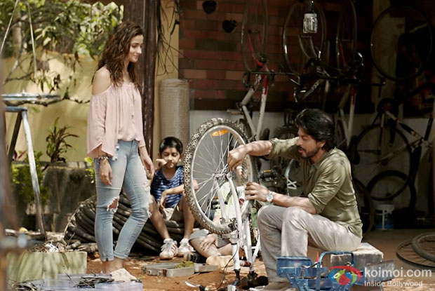 Box Office - Dear Zindagi continues to be stable on weekdays, has a good Wednesday
