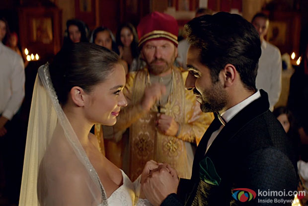 Single 'Halka Halka' starring Ayushmann Khurrana and Amy Jackson out now!