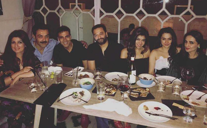 Akshay Kumar U0026 Twinkle Khanna Dine With Bobby Deol U0026 Wife On ...
