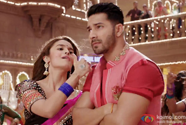 Enjoy The Foot-Tapping Desi Track Aashiq Surrender Hua | Ft. Alia And Varun