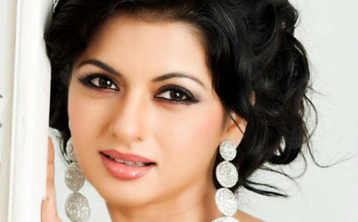 Bhagyashree Booked In Hit-And-Run Case, Accuses Victim Of Extortion