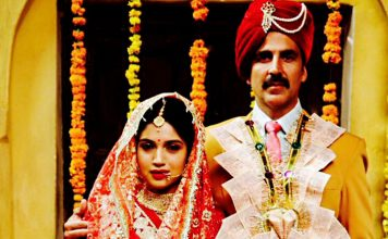 Akshay stresses on importance of having toilets in homes