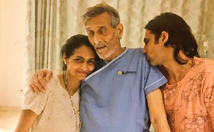 Veteran Actor Vinod Khanna Hospitalised, Picture From The Hospital Goes Viral