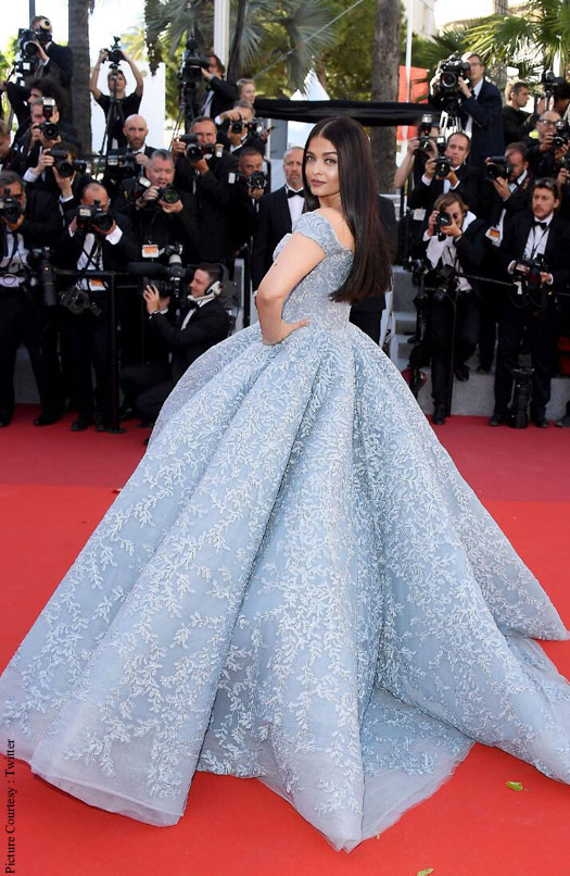 The  Year Old Actress Not Only Posed For The Shutterbugs At The Red Carpet But Also At One Moment Folded Her Hands To Gesture Namastey