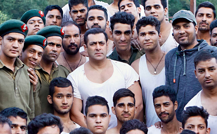 Kabir Khan gets the Indian Army to train 600 actors for Tubelight!