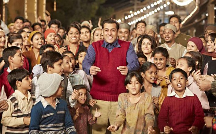 B-Town goes gaga over Salman's 'Tubelight'