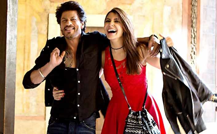 Radha Song Still | SRK-Anushka Make Up For A Hot Duo In Jab Harry Met Sejal