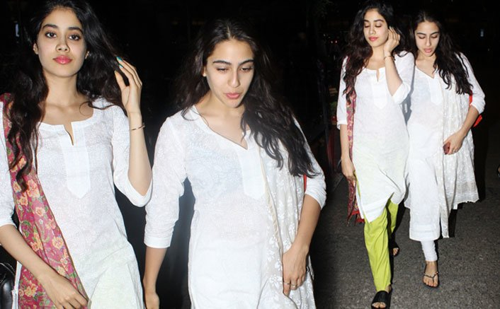 Sara Ali Khan and Jhanvi Kapoor Spotted At Airport