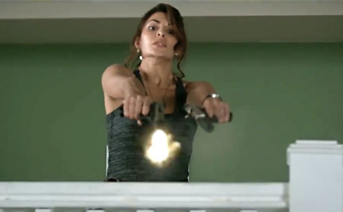 Jacqueline Fernandez held guns for the first time in 'A Gentleman'!