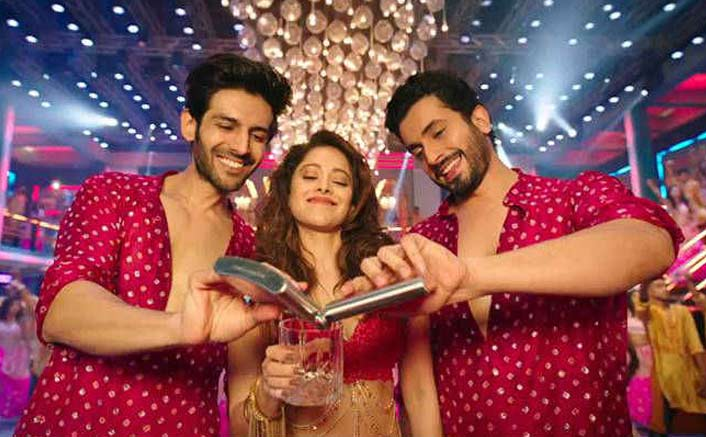Box Office - Sonu Ke Titu Ki Sweety does very well on Saturday too, set for a rocking Sunday