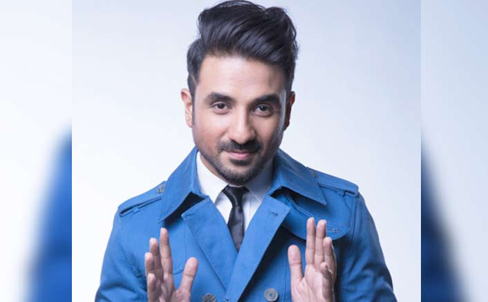 Vir Das honoured becomes the first Indian comedian to be conferred with a doctorate