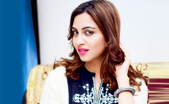 Media should leave some space for celebrities: Arshi Khan