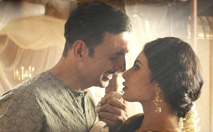 Ahead of Gold's song release, makers tease with yet another still from 'Naino Ne Baandhi'