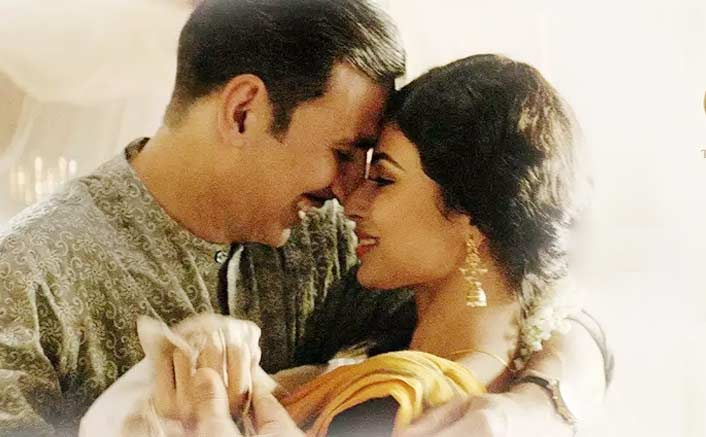 Akshay Kumar brings in a romantic chartbuster 'Naino Ne Baandhi' after 'Aaj Se Teri', 'Tere Sang Yaara' and 'Soch Na Sake'
