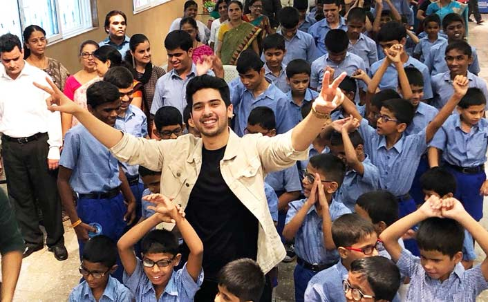 Armaan feels touched to perform for blind kids