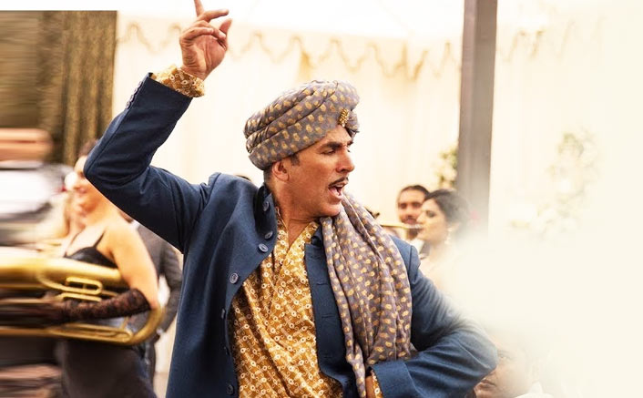 Box Office - Akshay Kumar scores career best opening with Gold